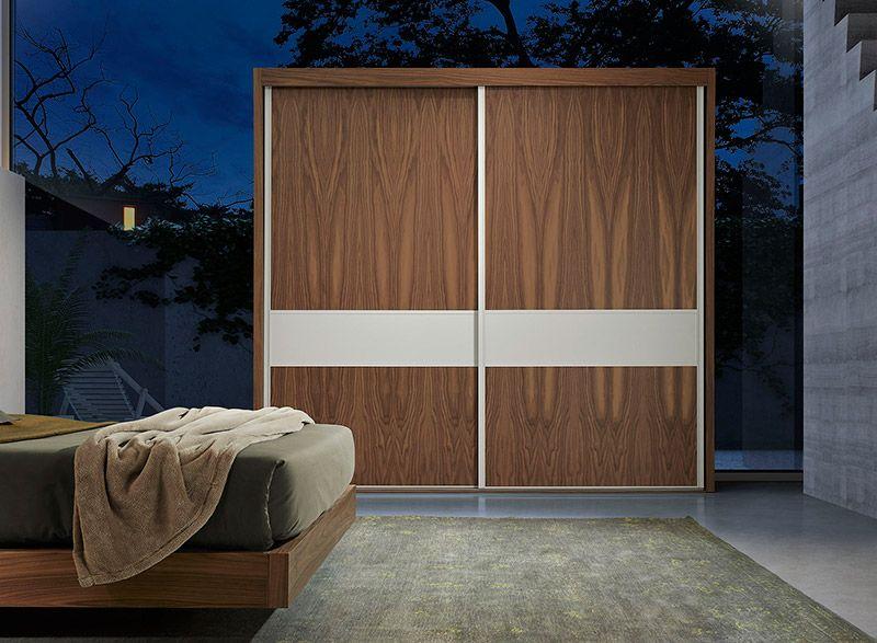 Habitación con armario